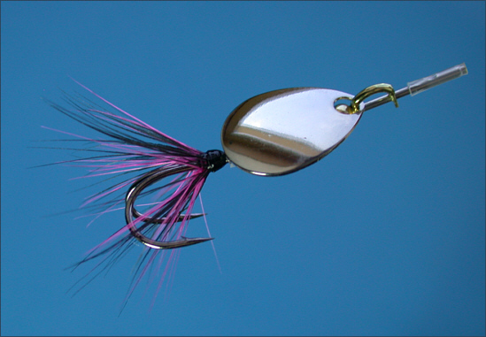 Spinhead with dressed hook