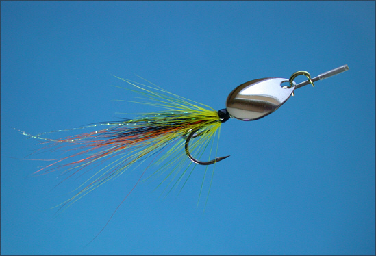 Spinhead fitted to a salmon fly